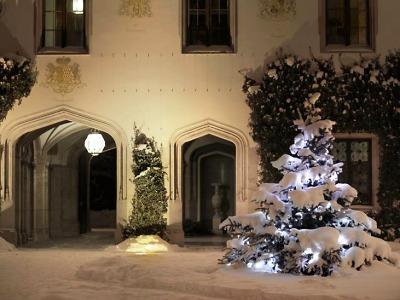 Vánoční prohlídky na zámku Sychrov