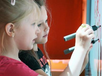 Mateřská škola Treperka v Semilech získala novou interaktivní tabuli