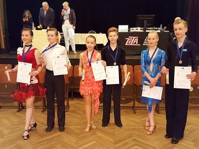 Liberečtí tanečníci posbírali 20 medailí zrepublikových soutěží