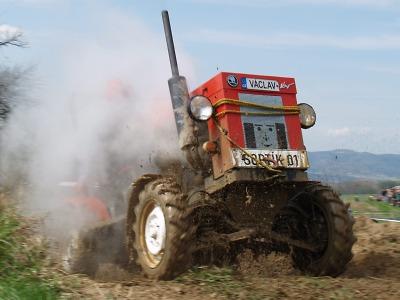 FOTO: Motory a bahno přilákaly do Vyskře přes 2500 diváků
