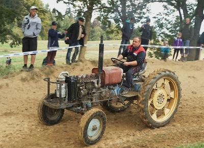 FOTO: Traktory opět lákaly do Bozkova. Přijelo víc než tři tisíce diváků