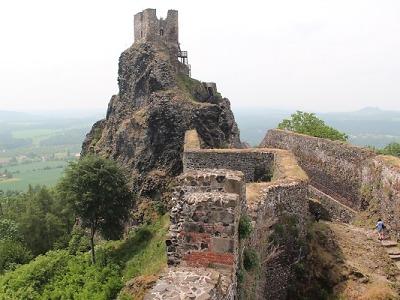 Začátek sezony na hradech a zámcích předčil očekávání