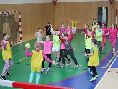 Turnovské základní školy soupeřily na Sportovním dnu