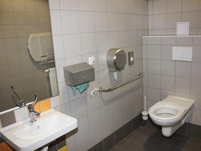 Na nádraží v Turnově konečně otevřeli veřejné toalety