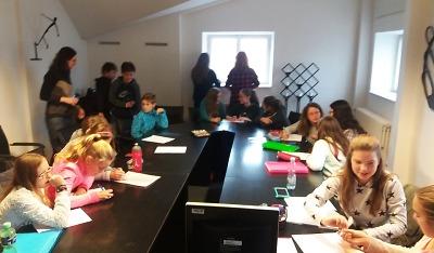 Žáci ZŠ Skálova se vydali na turnovskou radnici