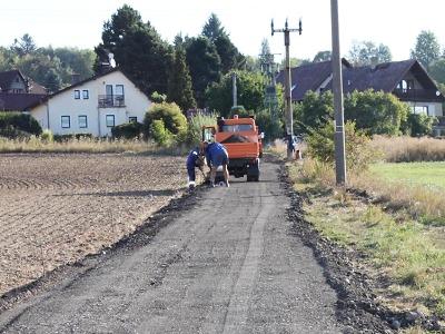Na Bukovině a Kobylce v Turnově opravují místní komunikace