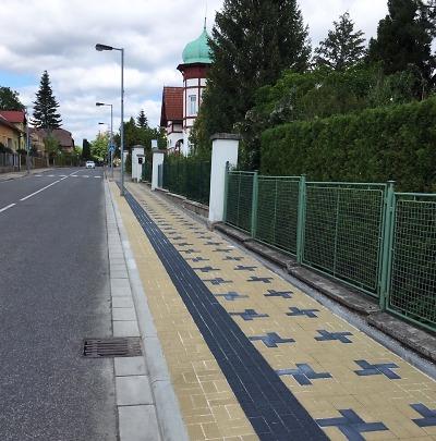 Zaparkovat před turnovskou školkou v Bezručově ulici bude jednodušší