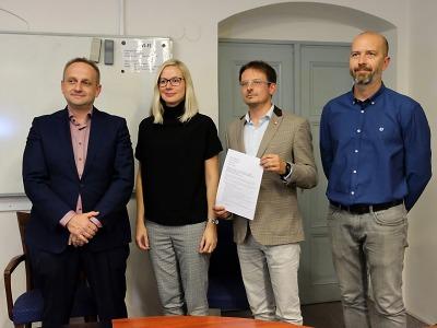 Nová koalice v Turnově je stvrzena podpisem smlouvy