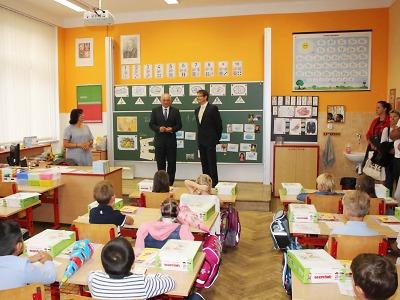 Celkem 220 prvňáčků usedlo v Turnově do školních lavic