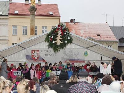 Třetí adventní víkend byl v Turnově ve znamení vánočních trhů
