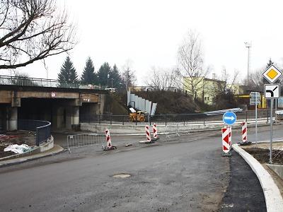 Pod turnovským viaduktem projedou v pátek první auta