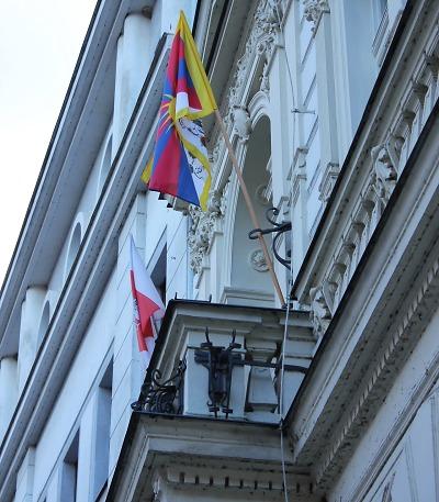 Turnov vyvěsil tibetskou vlajku