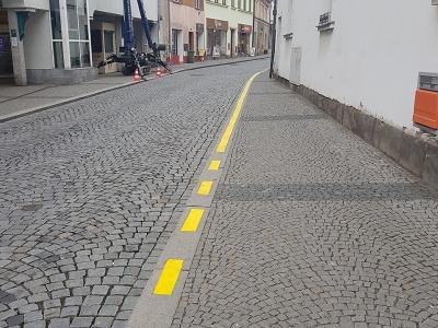 Změna vodorovného značení ve Skálově ulici v Turnově