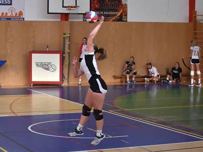 Turnovské volejbalistky v Červeném Kostelci bez bodu