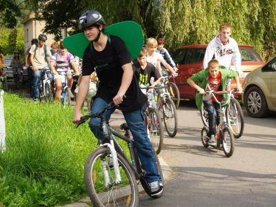 FOTO: Od waldorfské školy vyjela ekologická jízda přes Semily