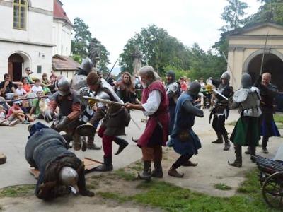 Středověký víkend na hradě Valdštejn se vydařil