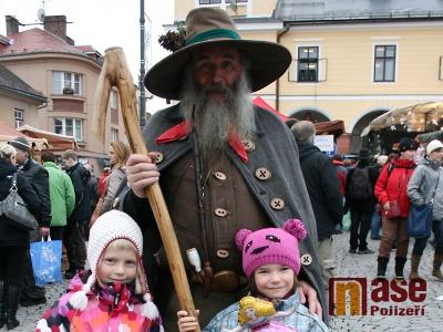 FOTO: Jilemnické náměstí zaplnil tradiční vánoční jarmark