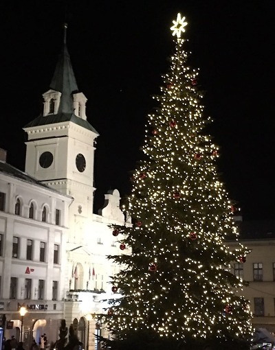 Anketa: Nejhezčí vánoční strom 2019 mají podle čtenářů v Turnově