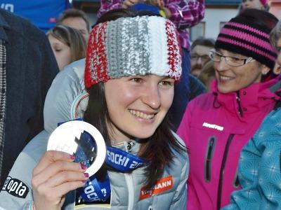 FOTO: Zaplněné náměstí v Jilemnici vítalo olympioničku Veroniku Vítkovou