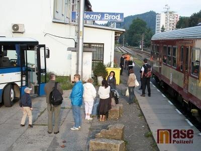 Na trati z Brodu do Semil budou dva týdny jezdit náhradní autobusy