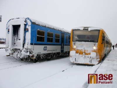 Srážku s vlakem nepřežil muž na přejezdu ve Velkém Valtinově