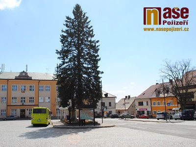 Rekonstrukce silnice mezi Sklenařicemi a Vysokým je v polovině