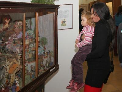 Obrazem: Zahájení výstavy betlémů a kreseb Marie Fischerové-Kvěchové
