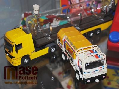 FOTO: Monti systém a spol. připomíná výstava Plastové hračky ze Semil