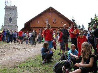 FOTO: Na Žalý vystoupali turisté z Jilemnice i dalších měst