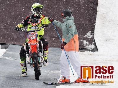 FOTO: Na benecké Winter Show se předvedli motokrosaři i lyžaři
