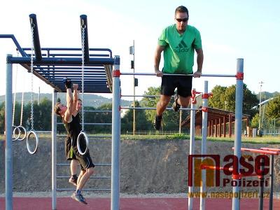 FOTO: Workoutové hřiště v Semilech naplno prověřili první sportovci