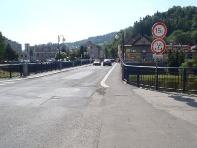 V Železném Brodě uspořádali krekonstrukci mostu radniční odpoledne