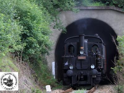 Parní vlaky jezdí od pátku do neděle na tratích v okolí Staré Paky