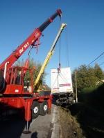 Kamion opět zablokoval dopravu z Turnova na Jičín