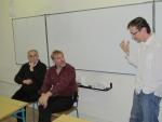 Režisér Tomáš Vorel diskutuje se studenty o své filmové tvorbě spolu s dramaturgem Janem Gogolou (na snímku vlevo).