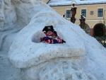 Náměstí v Jilemnici stráží sněhový Krakonoš