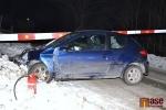 FOTO: Rychlík smetl v Libštátě auto, řidič zázrakem vyvázl bez zranění