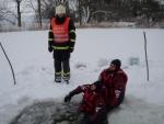 Prověřovací cvičení turnovských hasičů na rybníku Cihlák u Mírové pod Kozákovem