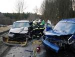 Zaklíněného a opilého řidiče v Roprachticích vyprostili až hasiči