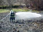 Požár trávy v Roudném u Turnova