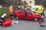 V Ploužnici u Lomnice se při nehodě dvou aut zranilo celkem sedm osob