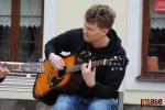 Hangover painters akusticky zahráli na semilském náměstí