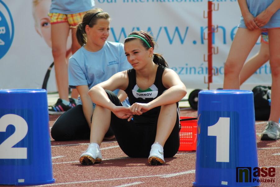 Fotomomentky na Memoriálu Ludvíka Daňka. Důkladná příprava před startem - jablonecká sprinterka Michaela Bičianová