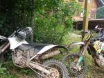 Motorkáři jezdí po zakázaných cestách v Krkonošském parku