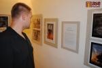 Vernisáž výstavy v Pojizerské galerii pod názvem Semilský fotoklub: Pět zlatých sezón. Ilja Todorov zkoumá co je napsané  v jeho životopise