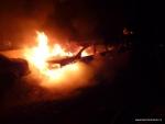 FOTO: Auto skončilo v plamenech