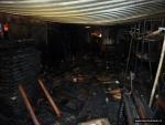 FOTO: Plameny spolykaly garáž i s dětskými hračkami