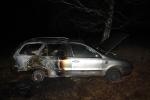 FOTO: Auto pohltily plameny