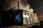 FOTO: Na Šluknovsku shořela další roubenka