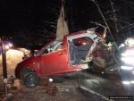 FOTO: Náraz rozdělil auto na dvě části